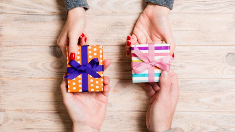Tips For Buying Crafts And Gifts